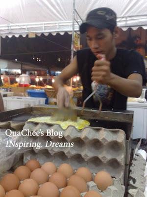 raya, singapore, geylang serai, ramly burger