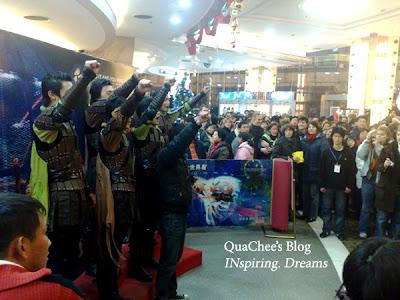 shanghai circus world performer