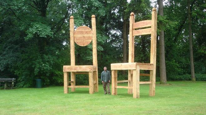 Rumen Giant chairs Drenthe 2009
