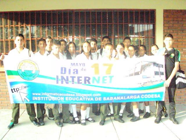 Estudiantes Grado 11C Festejando