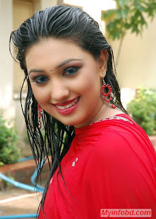 Hot Dhallywood Actress Apu Biswas