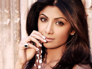 Shilpa shetty new sexy wallpapers and picture