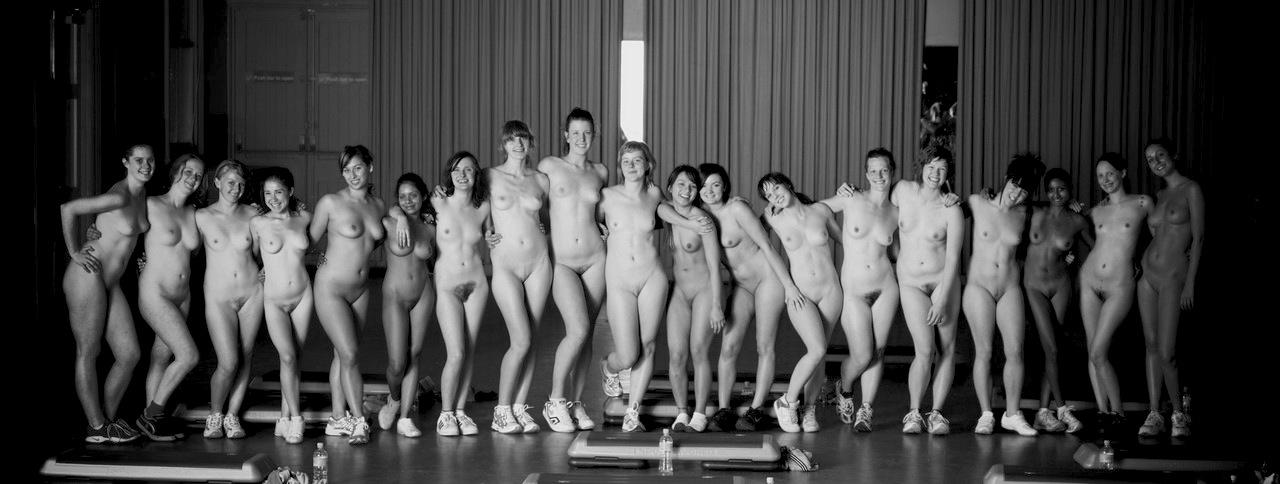 striptiz-i-golie-i-smeshnie