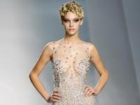 Şeffaf,transparan bir gece elbisesi