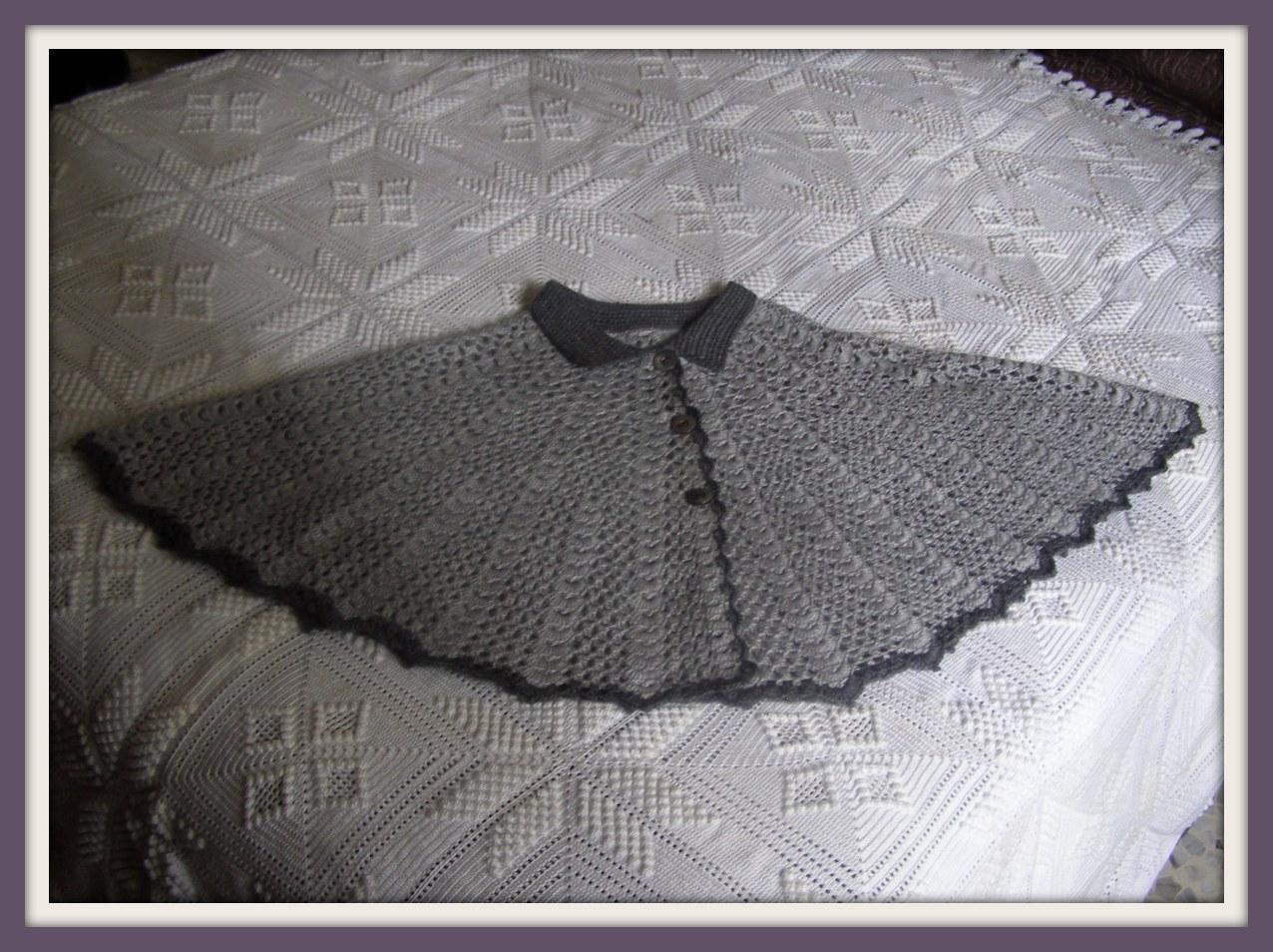 A Punto de Red . Patrones: Toca a crochet en gris para la abuela