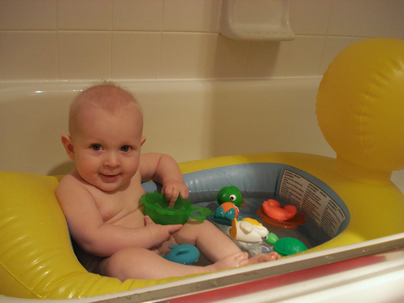 Dorable Fisher Price Infant Bath Tub Gallery - Bathtubs For Small ...