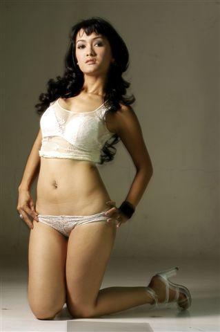 Julia Perez:Kumpulan Gambar Artis Hot Indonesia