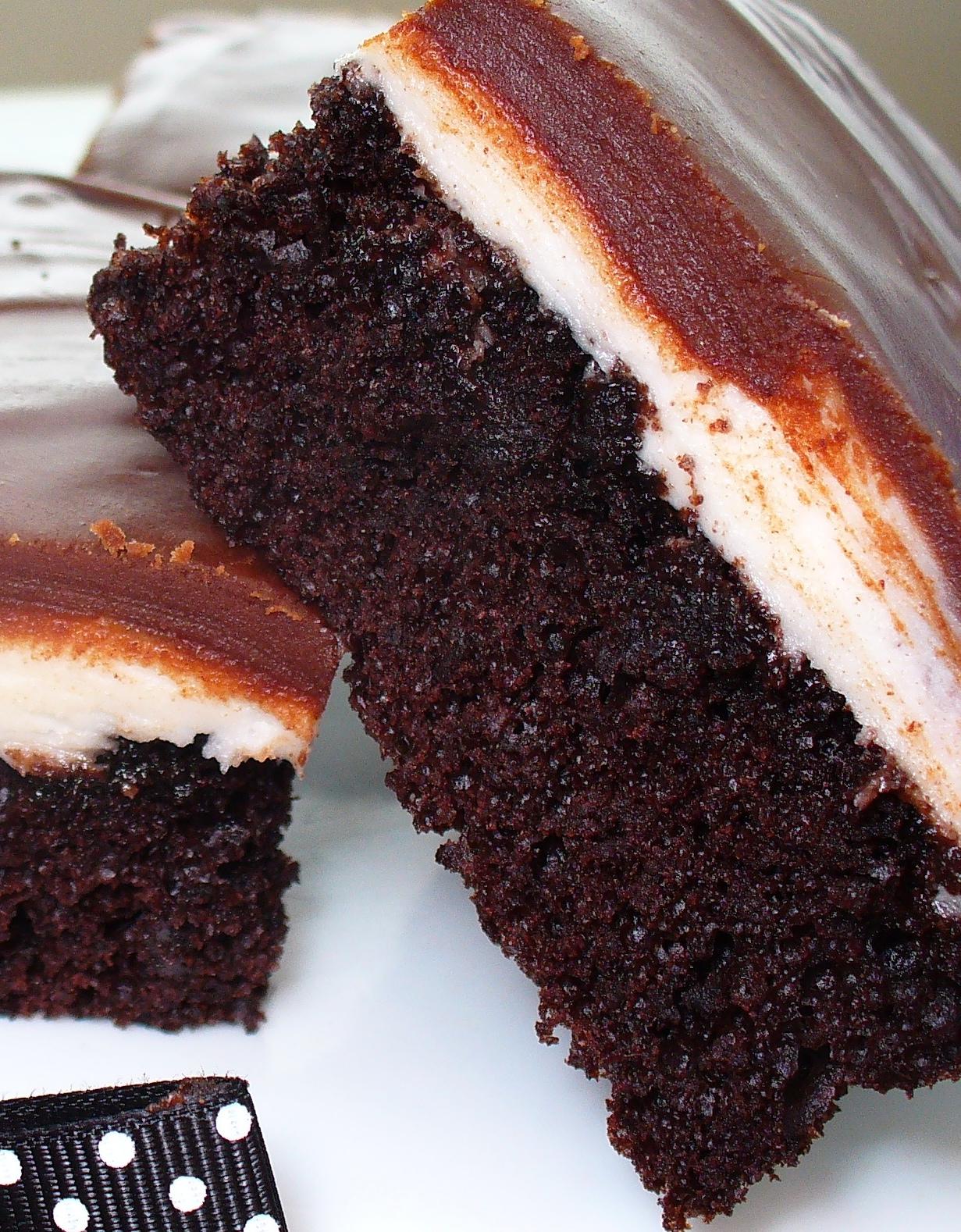 """Leenee's Sweetest Delights: Hostess """"Ho Ho"""" Cake"""