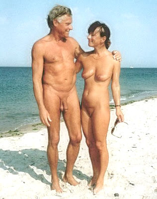 praia mulheres Nudismo