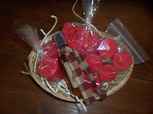 CANDLE GIFT BASKET