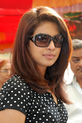 prianka - Priyanka Chopra tweets trouble for herself
