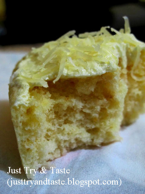 Lemon Cheese Steamed Cake (Cake Kukus Keju Lemon)