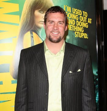 Eerily prophetic photo of the day: Rothlisberger at Watchmen premiere