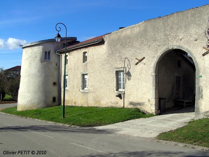 BOUVRON (54) - La Maison-forte