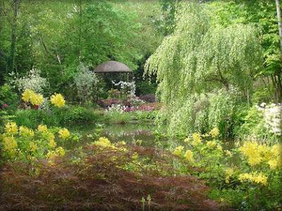 los bellos jardines de la alhambra y generalife son un ejemplo de jardines arabes tan extendidos en el sur de espaa donde agua tiene una singular