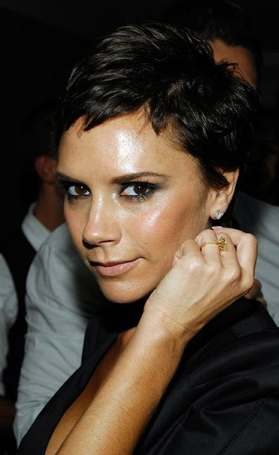 Victoria beckham scores yet another victoria beckham looking gorgeous