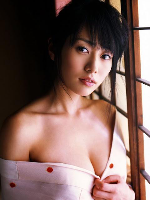 hot+kimono+girl+-momoko_tani+16