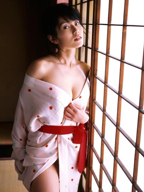 hot+kimono+girl+-momoko_tani+15