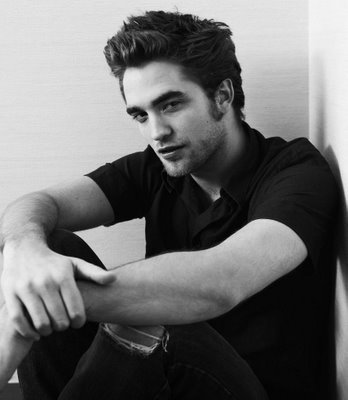 robert pattinson latest pictures. robert pattinson new moon