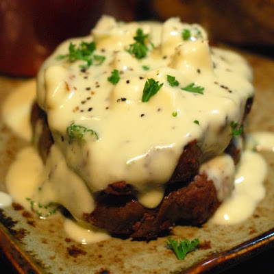 grilled filet mignon, Big Green Egg beef filet, kamado beef filet mignon, gorgonzola beef tenderloin, gorgonzola filet mignon