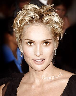 http://3.bp.blogspot.com/_yPrJGheru5g/TQ0CmpVrG7I/AAAAAAAAAQw/bzDmfwFWFy8/s1600/Short+Hair+Styles+%25283%2529.jpg