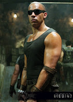 Chronicles_Riddick_Pitch_Black_Vin_DIesel_sequel_poter_locandina_image_immagine_foto