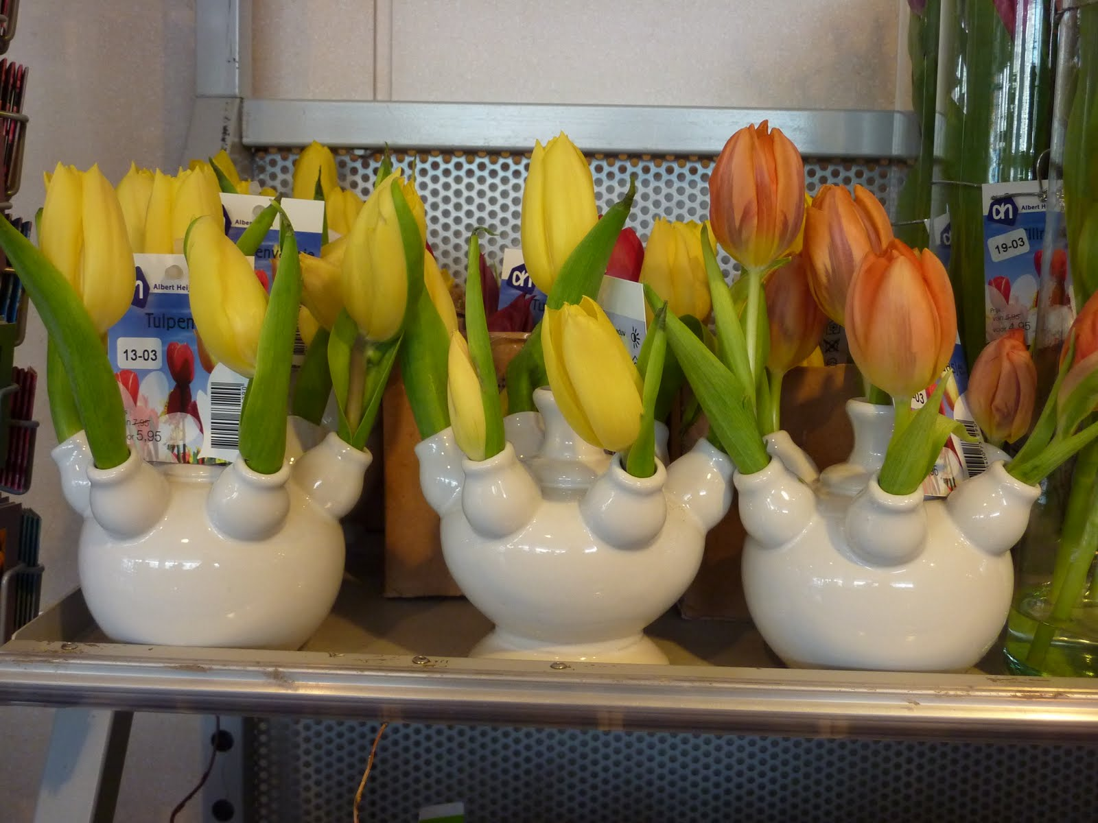 Greetings from holland tulip vases tulpvaas the last weeks in the supermarket albert heijn i have noted these mini tulip vases above porcelaine made very cute they were firstly being sold at 795 reviewsmspy