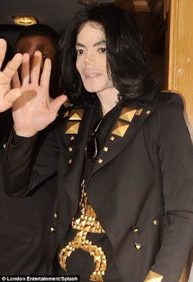 Michael Jackson Diagnosed With Skin Cancer
