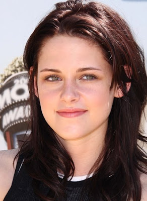 Hot Kristen Stewart wins Best Female Performance Award