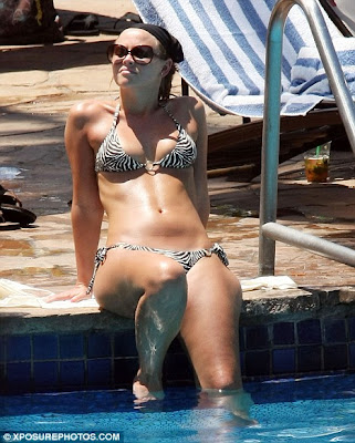 Kimberley Walsh Soaks Up the Sun In Hot Bikini