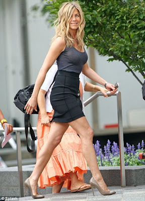 Jennifer Aniston Flaunts Her Curves on Set of Her New Film