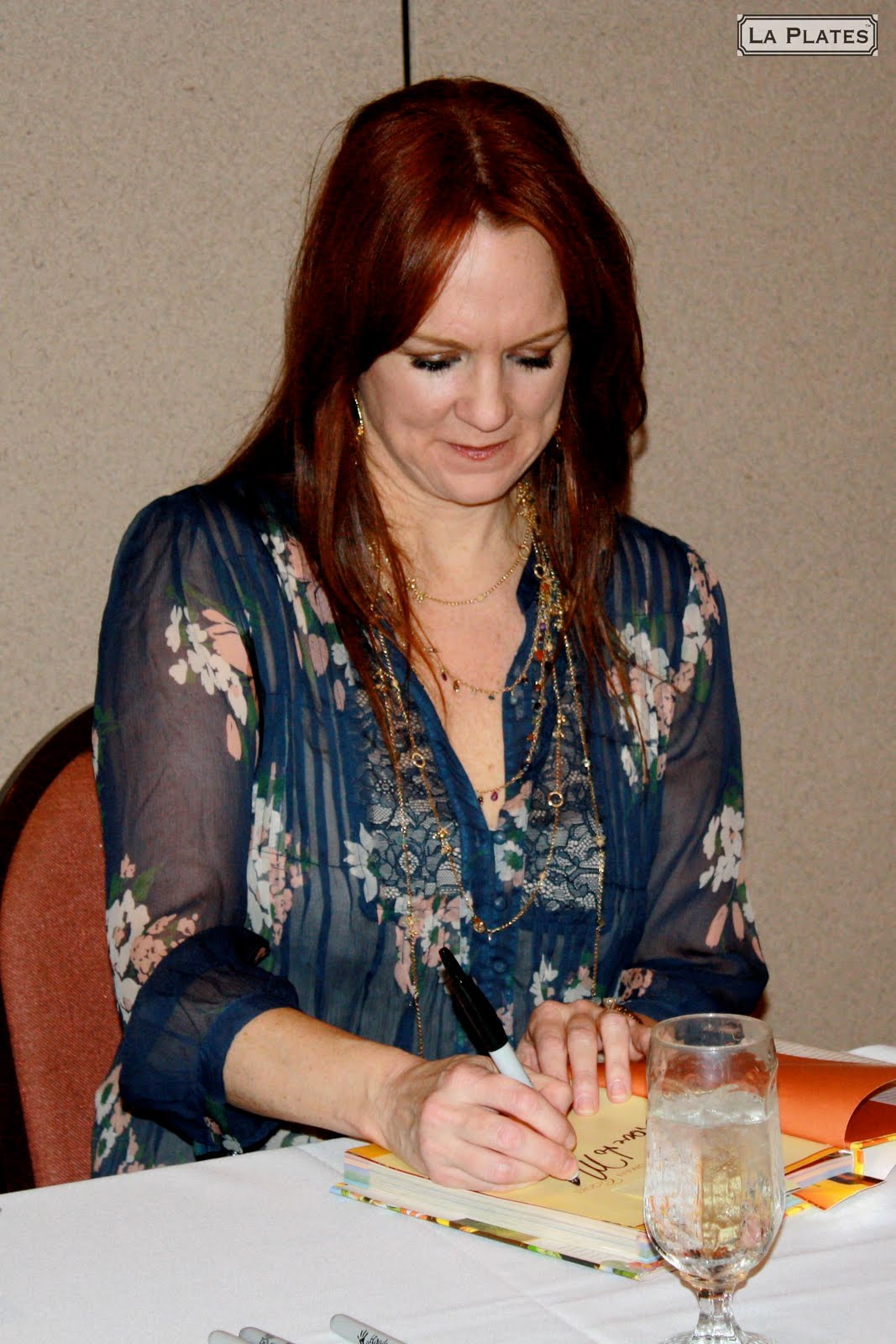 Ree drummond pioneer woman cooks for The pioneer woman magazine subscription