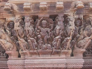 Sculptures In Thiruvanaikaval Ther