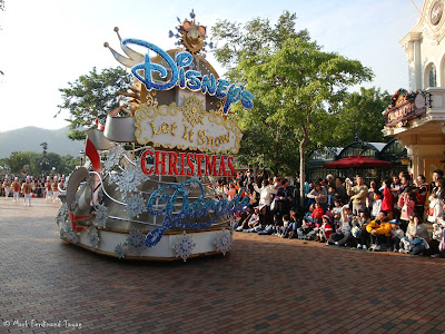 Disney's Let It Snow Parade Photo 1