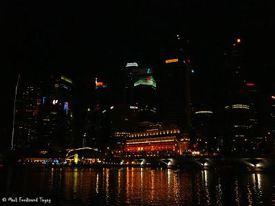 Esplanade Singapore During Christmas 4