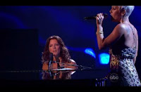 More Pictures of 2008 AMA Performance Sarah Mclachlan and Pink