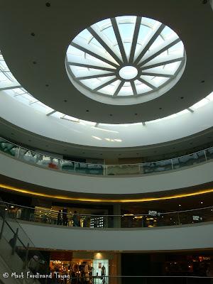 SM Mega Mall Atrium Pictures 2