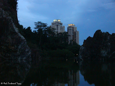 Bukit Gombak Lake Guilin Picture 10