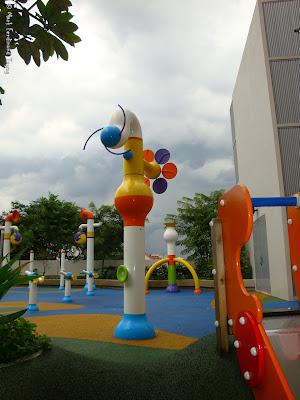 Sembawang Shopping Centre Park Photo 5
