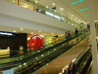 Sembawang Shopping Centre Experience