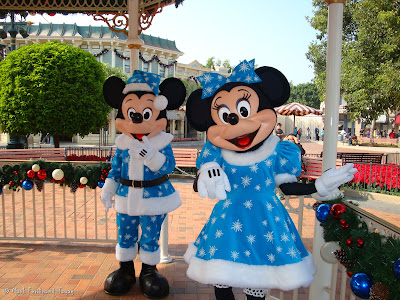 Photo Session With Mickey and Minnie Mouse 1