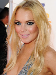 Lindsay Lohan To Host Saturday Night Live