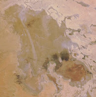 lake Eyre wet mid June2008