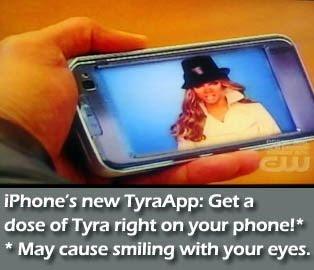 Top Model Tyra on phone