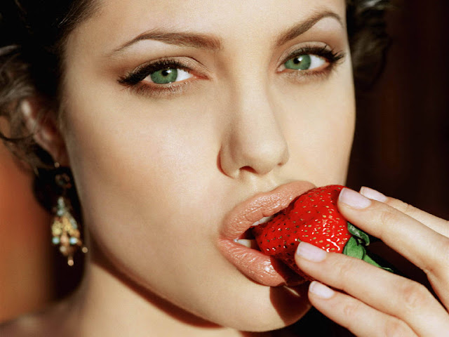 anjelina jolie wallpaper. angelina jolie wallpapers.