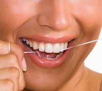 Passar o fio dental antes ou depois da escovação ???