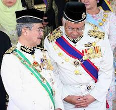 Pakaian Istiadat Kerajaan Malaysia