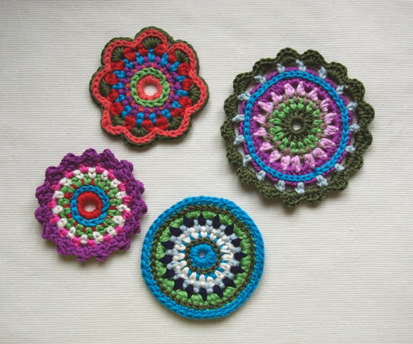 Crochet Flowers - Free Patterns