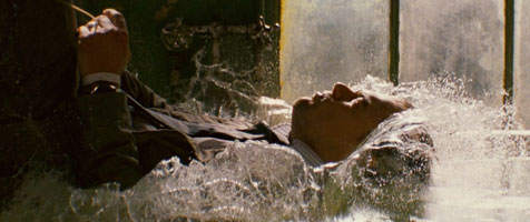 http://3.bp.blogspot.com/_yeiwBjhM8UU/TH2fuwXgYgI/AAAAAAAADhM/_ek2HBNdNnQ/s1600/inception-water-scene.jpg
