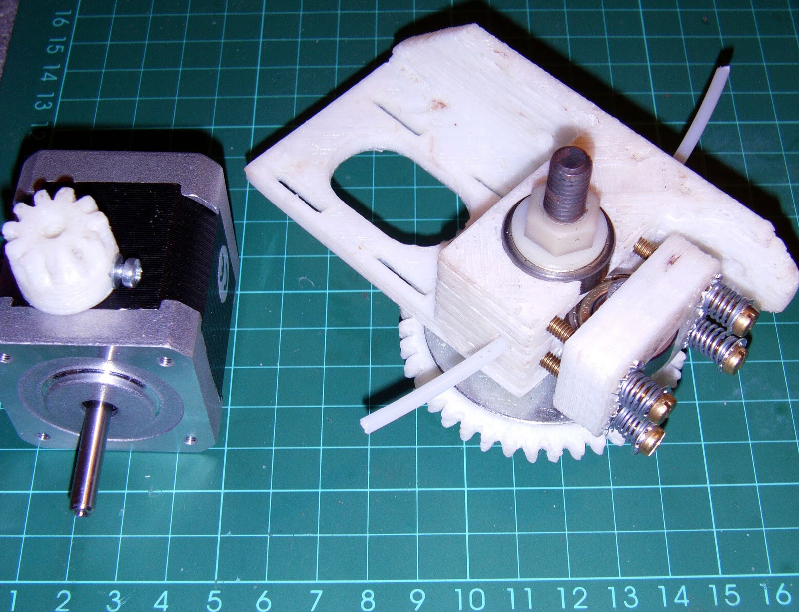 how to change direction of extruder motor